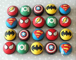 cupcakes de superheroes buscar con google maksy 4th b day