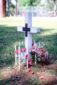 memorial crosses for roadside louisiana roadside memorials negotiating an emerging tradition