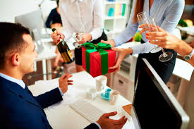 wedding gift protocol gift giving etiquette for the holidays reader s digest