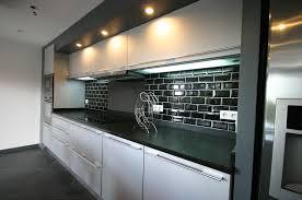 nettoyer la cuisine cuisine arrondie en laque par meubles jem