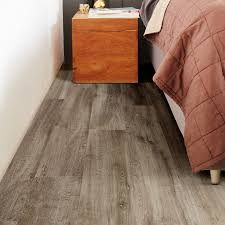 Grey Laminate Flooring B Q Oak Water Resistant Flooring Diy