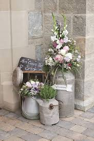 21 unique wedding flower ideas too pretty not to try rustic feel