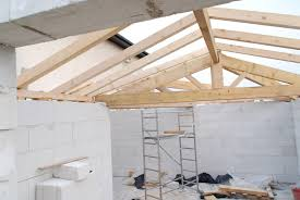 how to build a conventional wood pitched roof framing house