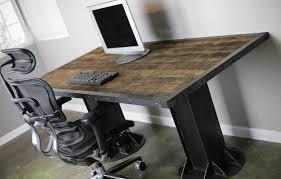 bureau industriel metal bois 1001 idées meuble industriel une retraite décorative bien