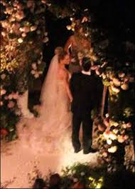 hilary duff wedding dress hilary duff and mike comrie intimate wedding pictures photos