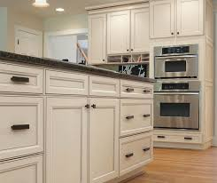 casual kitchen cabinets aristokraft cabinetry