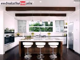 kchen modern mit kochinsel 2 wohnideen küche modern weiß holz kochinsel dachbalken