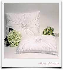 wedding kneeling pillows 27 best wedding kneeling pillows images on ring bearer