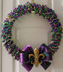 sew in mardi gras bead wreath tutorial