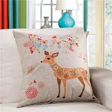 housses coussins canap housse de coussin canapé beige imprimé renard fleurs colorées
