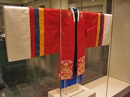 Nunta Traditionala in Coreea Images?q=tbn:ANd9GcTbAz2xqq-lrAJrGM0atv2gE0uQfFjXwuGj_DljAZHmnO-oP2Kw