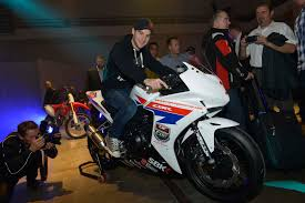 honda cbr500r first look at the honda cbr500r race bike asphalt u0026 rubber