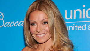 hair color kelly ripa uses kelly ripa i botox my eyes every 7 months plus my armpits huffpost