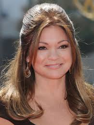 how to get valerie bertinelli current hairstyle valerie bertinelli half up half down valerie bertinelli hair looks