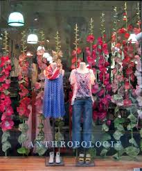 Anthropologie Christmas Window Decorations by Best 25 Store Window Displays Ideas On Pinterest Display Window