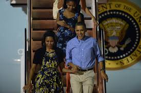 president obama first family arrive in hawaii u003e 15th wing