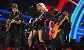 Taylor Swift Halloween Costume Ideas 16 Easy Taylor Swift