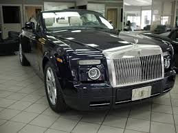 rolls royce suv pure undeniable class rolls royce phantom drophead coupe