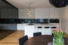 credence cuisine en verre crédence cuisine originale 48 idées en matériaux différents