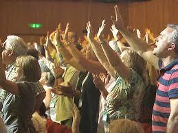thousands of christians celebrate biblical feast in jerusalem