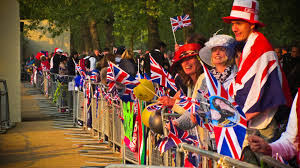 file royal wedding crowd jpg wikimedia commons