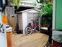 quaint conch house located in historic bahama village key west