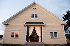 Barn Weddings In Maine Laudholm Farm Maine Barn Wedding Emilie Inc Beautiful Days Events