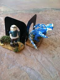 Dragon Bookends Astrid And Stormfly Bookend Set How To Train Your Dragon