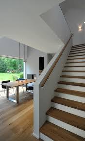 handlauf fã r treppen die besten 25 stauraum unter der treppe ideen auf