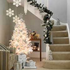 White Christmas Living Room Decor by Black And White Christmas Tree Decorating Ideas