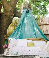 Diy Canopy Bed Easy Canopy Crafts Diy Canopy Bed
