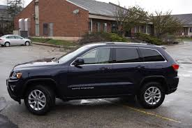 jeep durango 2016 fca family feud 2016 dodge durango sxt awd vs 2016 jeep grand