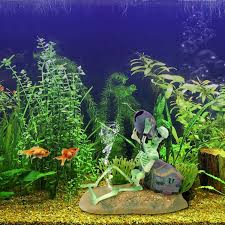 simulated pet aquarium ornaments fish tank pirate skeletons