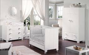 babyzimmer weiß grau babyzimmer komplett weiss hochglanz babymöbel installation in grau