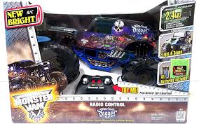 monster jam grave digger rc truck amazon com new bright monster jam radio control son uva digger rc