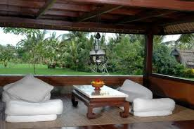 Honeymoon Cottages Ubud by Agung Raka Bungalow At Pengosekan Ubud With Private Balcony And