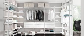 Kleiderschrank Viel Stauraum Ideen Mit System Begehbarer Kleiderschrank à La Carrie