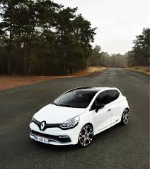 clio renault renault clio rs trophy breaks record at nurburgring