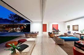 jacobsen arquitetura designed a modern house for a contemporary