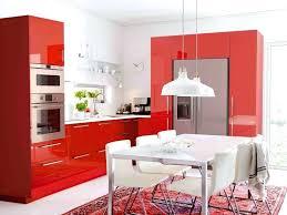 cuisine mur cuisine blanche mur framboise cuisine blanche et deco murs