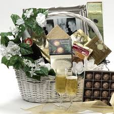 Gift Food Baskets Best 25 Food Gift Baskets Ideas On Pinterest Basket Ideas