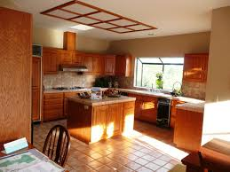 Best Color For Kitchen With Oak Cabinets Kitchen Light Oak Cabinets Kitchen Grey Kitchen Wall Colors Kitchen
