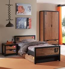 chambre enfant bois massif armoire enfant bois fashion designs