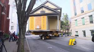 Houseboat Chip And Joanna Gaines Historic House On The Move In Raleigh Abc11 Com