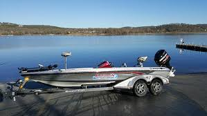 table rock lake bass boat rentals branson missouri fishing guide service charter rates for guided
