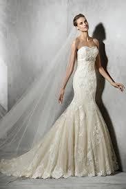 robe de mari e dentelle sirene robe de mariée sirène en dentelle ivoire à traîne tribunal avec