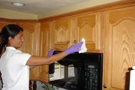 how to clean dirty kitchen cabinets how to keep the kitchen clean bonito designs how to clean kitchen