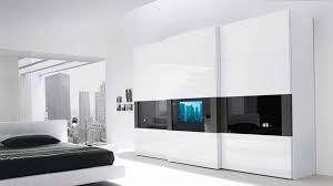 Armadio Con Vano Porta Tv by Come Scegliere Un Armadio Tecnologico