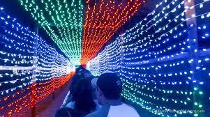 christmas lights train ride griffith park trains holiday light festival train rides