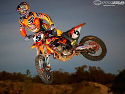 motocross races supercross and motocross racing described